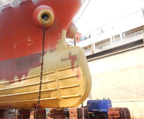 修繕船風景
